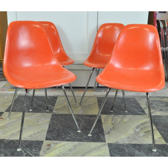 Chaises eames dsx fibre de verre orange - Eames fibre de verre ...