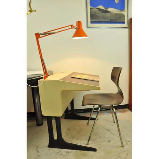 Bureau luigi colani ann es 70 for Mobilier bureau evolutif