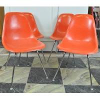 Suite de 4 chaises Eames DSX